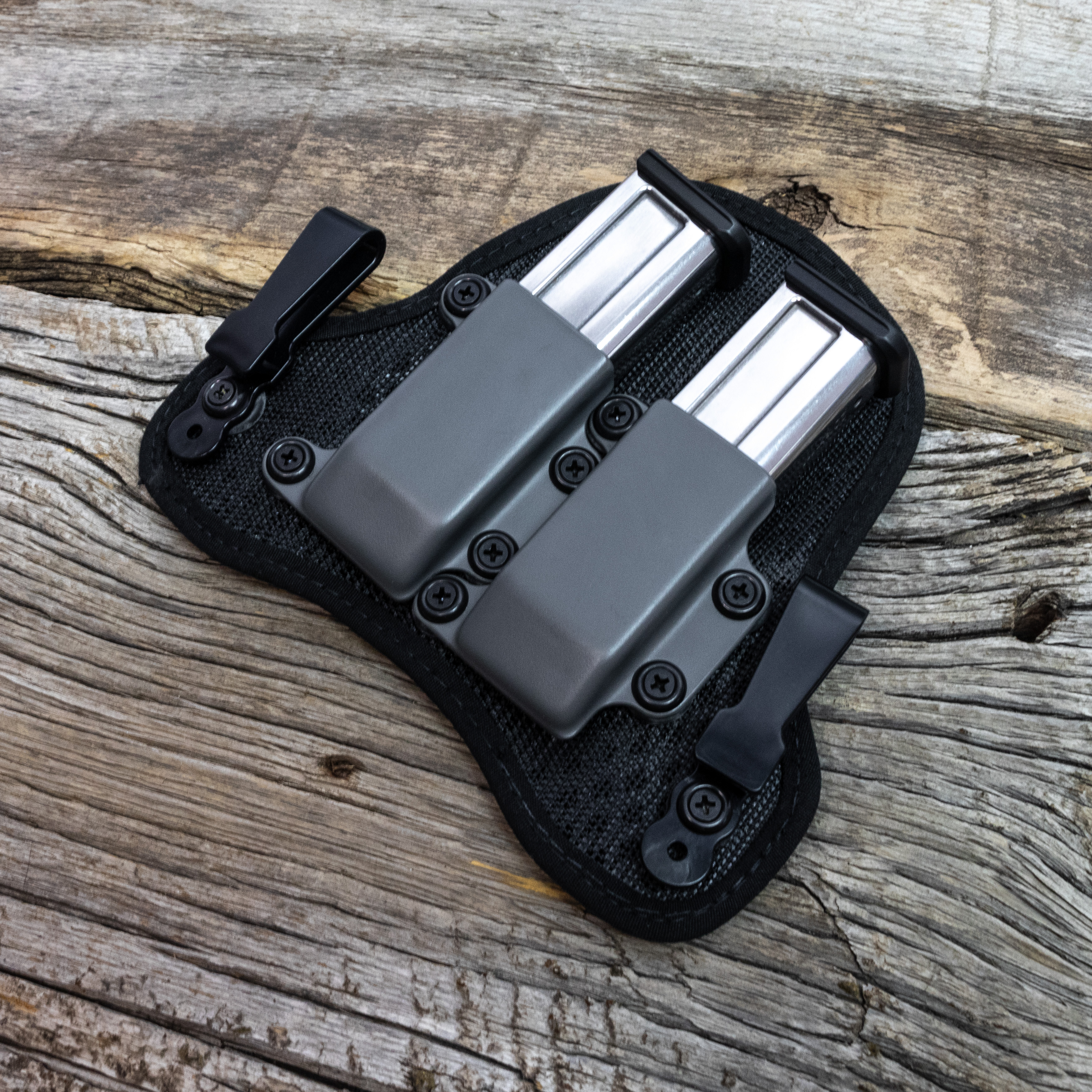 stealthgearusa-ventcore-iwb-double-mag-carrier-loaded-20210421-three-quarter-plank-shot.jpg